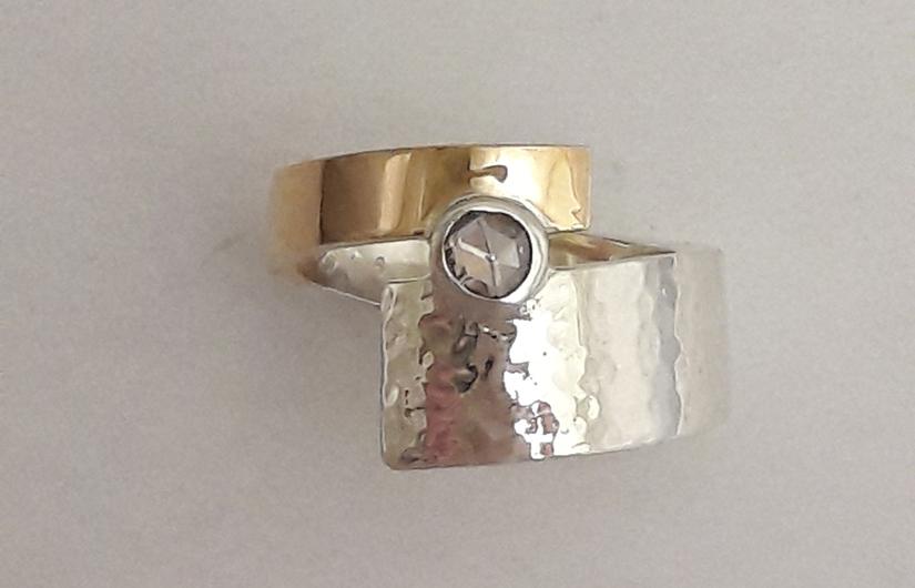 Het bewerken van een ring - Edelsmederij puur & pracht Helvoirt