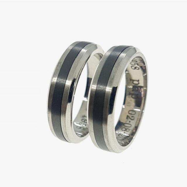 Ringen titanium, zirconium met as - Herinneringssieraad - Edelsmederij puur & pracht Helvoirt